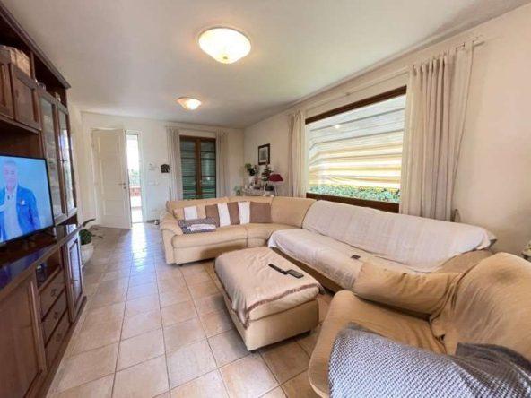 Camera a piano terra cp1538 villa singola capezzano pianore 22857 Capezzano Pianore in vendita grande villa singola
