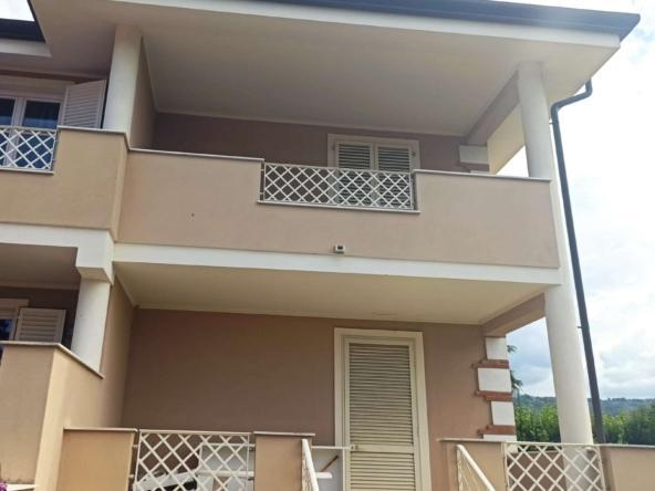 cp1593 villa bifamiliare capezzano pianore b3d55 Villa bifamiliare in vendita a Capezzano Pianore